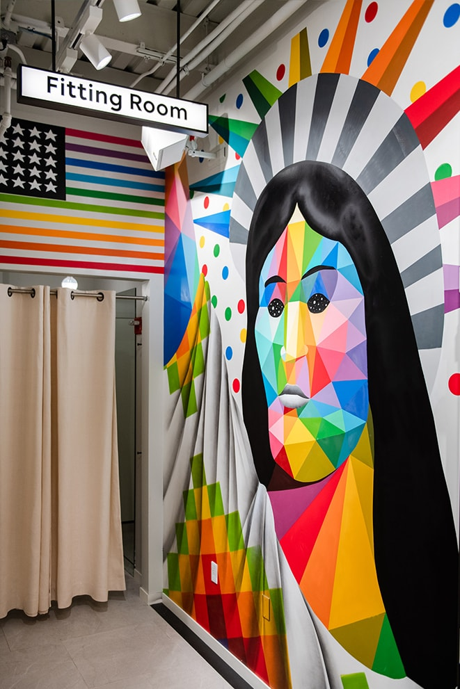 Multiculture Freedom Statue -- Okuda San Miguel -- Ink and Movement